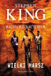 Powieść Wielki Marsz' wydana została przez autora ukrywającego sią pod pseudonimem Richard Bachman w 1979 roku. Od czasów poznania książki ta decyzja mnie mocno dziwiła, jest to bowiem jedna z najlepszych powieści mistrza amerykańskiej literatury współczesnej a przy okazji jest to jedna z lepszych i bardziej przejmujących powieści całej socjologicznej fantastyki, tej uprawianej u nas przez Zajda, Oramusa czy Huberatha a w USA przez Philipa Dicka choćby. Powieści nie skupiającej się na technologicznych gadżetach a na możliwych ścieżkach i sposobach rozwoju społeczeństwa w przyszłości i jego kontroli, tak […]